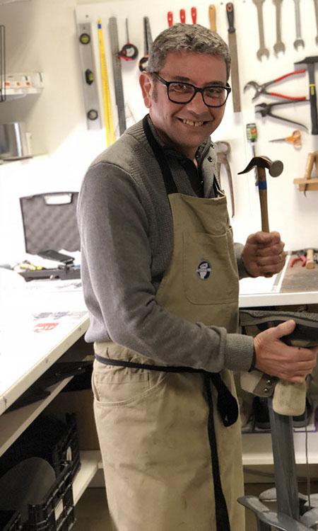 COURAULT Philippe Atelier Cordonnerie réparations autour du pied